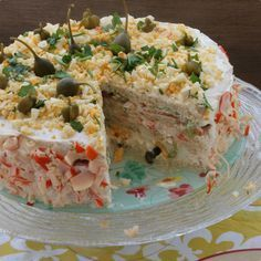 Tarta salada de pescado y pan de molde.
