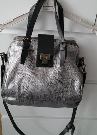 Liebeskind Handtasche Leder Silber 3                                                                                                                                                                                 Mehr