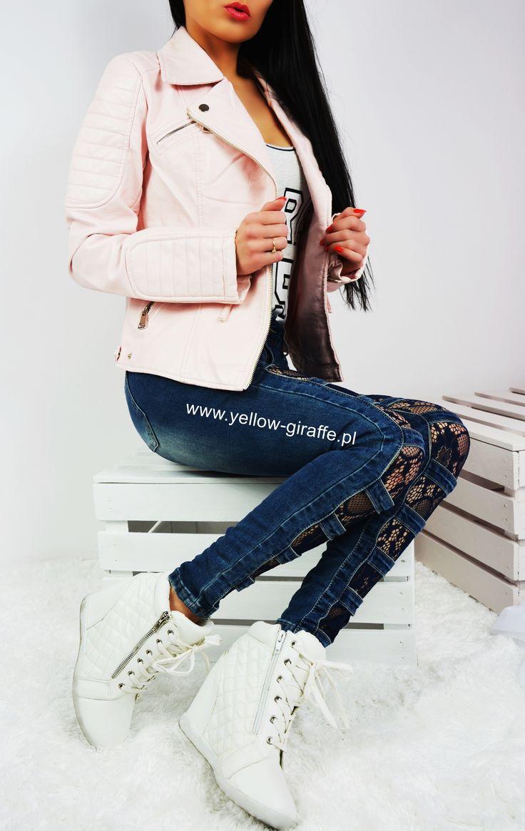 WIOSENNE NOWOŚCI  Klasyczna kobieca kurtka w kolorze jasnego różu Do tego super modne jeansy z koronką  Zamówienia przyjmujemy telefonicznie 508055061 lub w sklepie internetowym Www.yellow-giraffe.pl   #yellowgiraffepl #wiosna #kurtka #madeinpoland #chanel #wiosennie #butik #instashop #weekend #polishgirl #ciepło #warsawgirl #inlove #polskamarka #blogger #casual