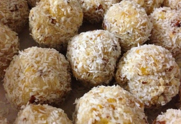 Apricot and almond balls - Real Recipes from Mums