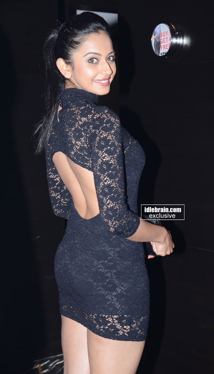 Rakul Preet Singh Showing Her Awesome Sexy Back & Thunder Thighs In Black Mini Skirt.