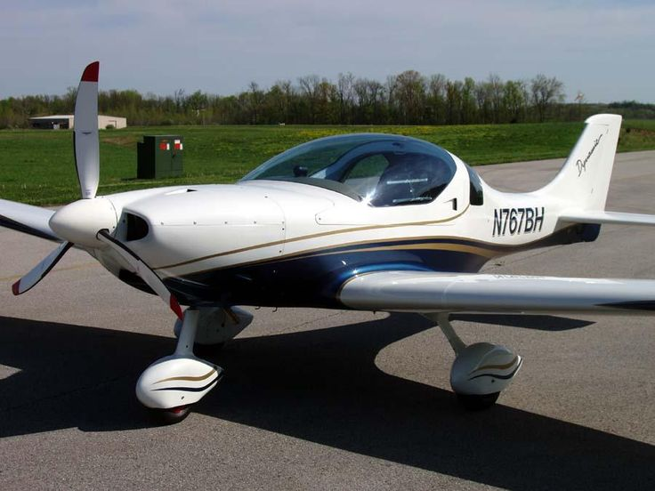 2012 Aerospool WT-9 Dynamic for sale in IL United States => http://www.airplanemart.com/aircraft-for-sale/Light-Sport-Aircraft/2012-Aerospool-WT-9-Dynamic/11905/