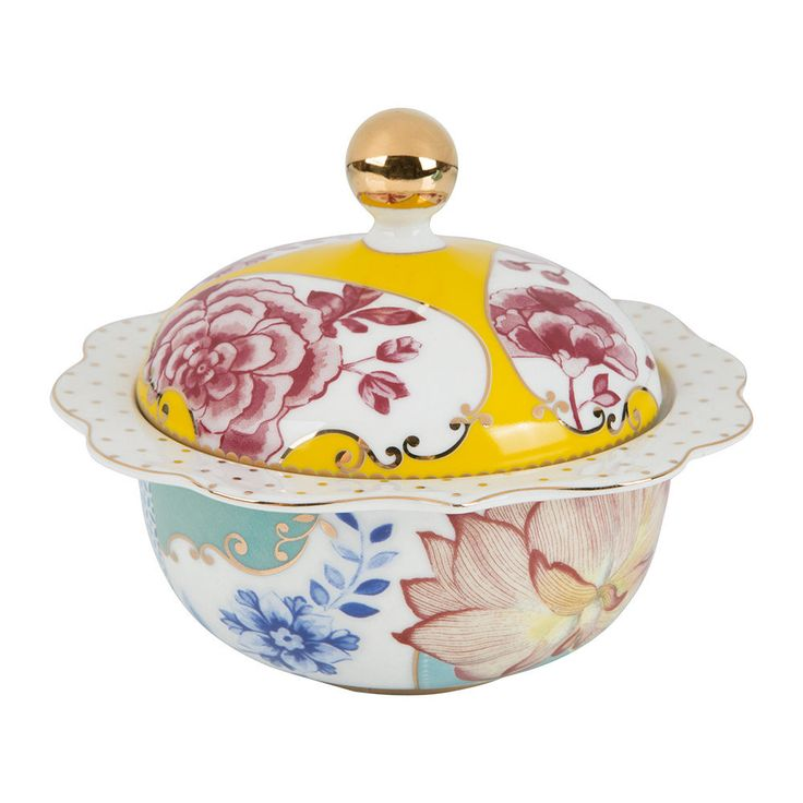 Bring a feminine touch to your table setting with this Royal Pip sugar bowl from Pip Studio. Delicately crafted from porcelain, it features a stunning pattern of multicoloured floral motifs & is finis