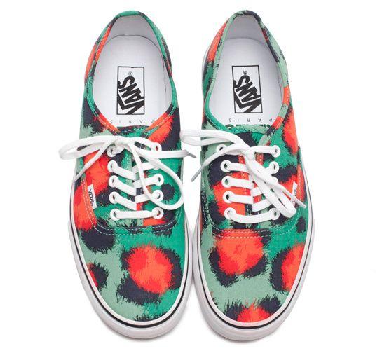 Kenzo Vans baskets leopard http://www.vogue.fr/mode/news-mode/diaporama/kenzo-vans-baskets-leopard/12146