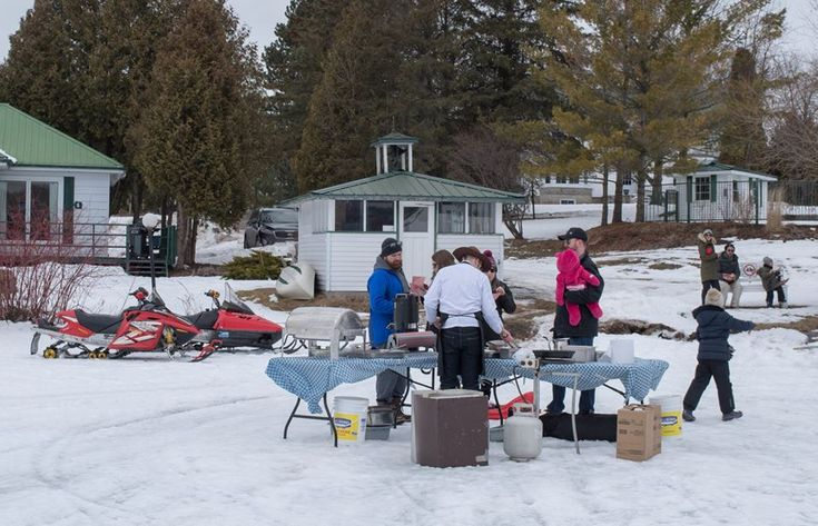 Cooking Al Fresco - Beavertails and Fried Fish