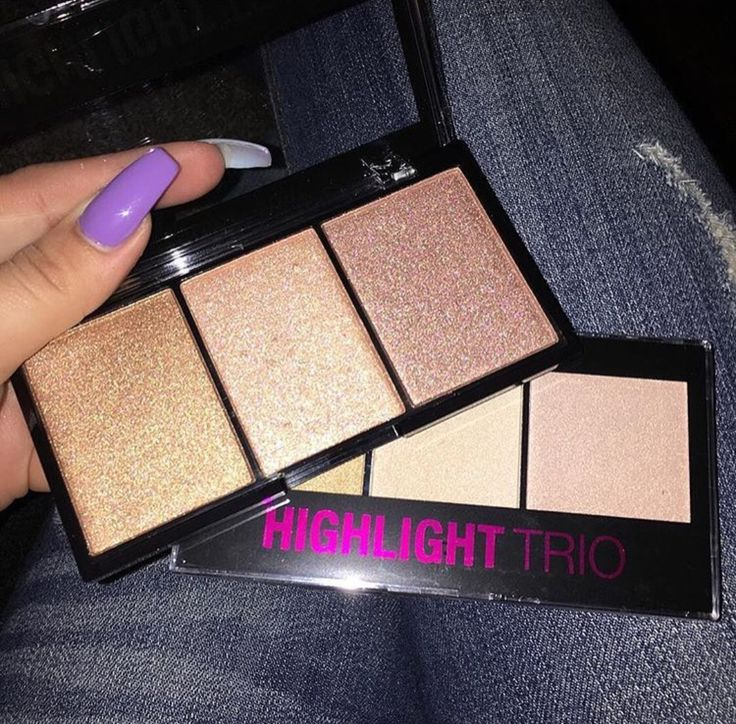 - Strobing Highlight Trio - Features 3 Silky Highly Pigmented Shades - Highlight Blush Bronzer - Collection #1 ( Pink Pearly Golden Shades) - Collection # 2 (DARK Golden Shades) - Brand City Color - S