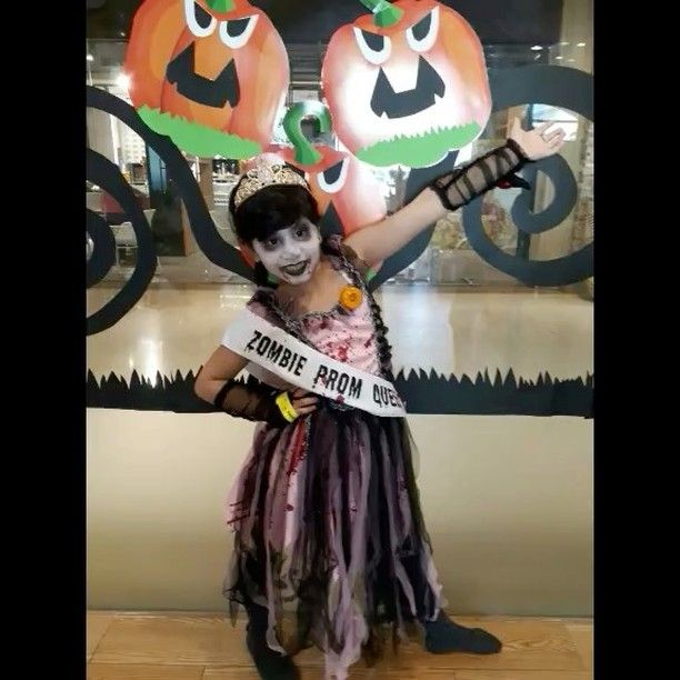 #throwback to how @pixiesandponieskidsclub celebrated #halloween2017 #halloween #scary #spooky #boo #scared #costume #ghost #pumpkin #pumpkins #pumpkinpatch #carving #candy #orange #jackolantern #creepy #fall #trickortreat #trick #treat #instagood #party #holiday #celebrate #bestoftheday #hauntedhouse #haunted