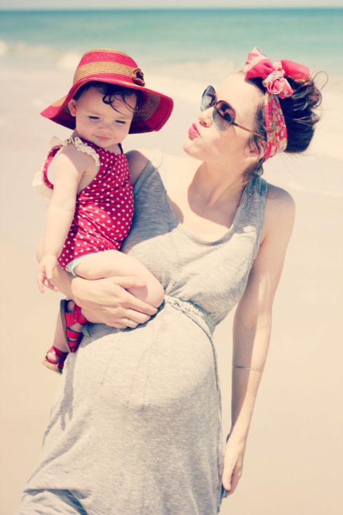 .: Mother, Pregnancy, Maternity Style, Baby Girl, Beach, Photo, Head Scarf, Mom, Kid