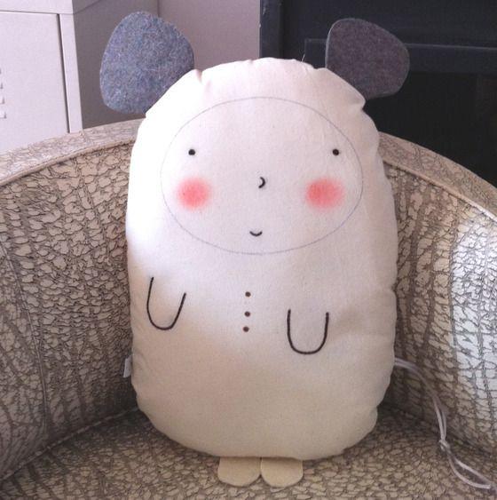 Image of Cojín-muñeco Ratolín/Pillow-doll