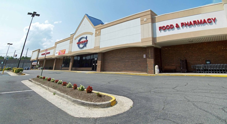Giant Food & Pharmacy - Store #0757  9550 Burke Rd, Burke, VA 22015   Telephone: 703-503-5870  http://www.giantfood.com/