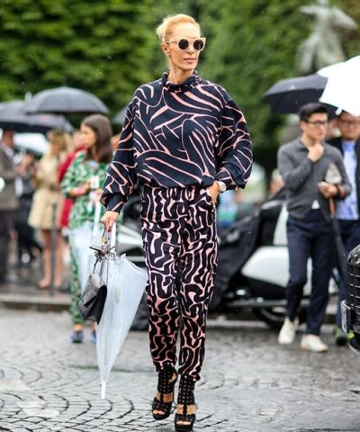 Paris Moda Haftası'nın bayanları ve sokak stilleri blogta http://pimood.com/paris-erkek-moda-haftasinda-bayanlarin-sokak-stilleri/ #pfw #streetstyle #sokakstili #sokakmodası