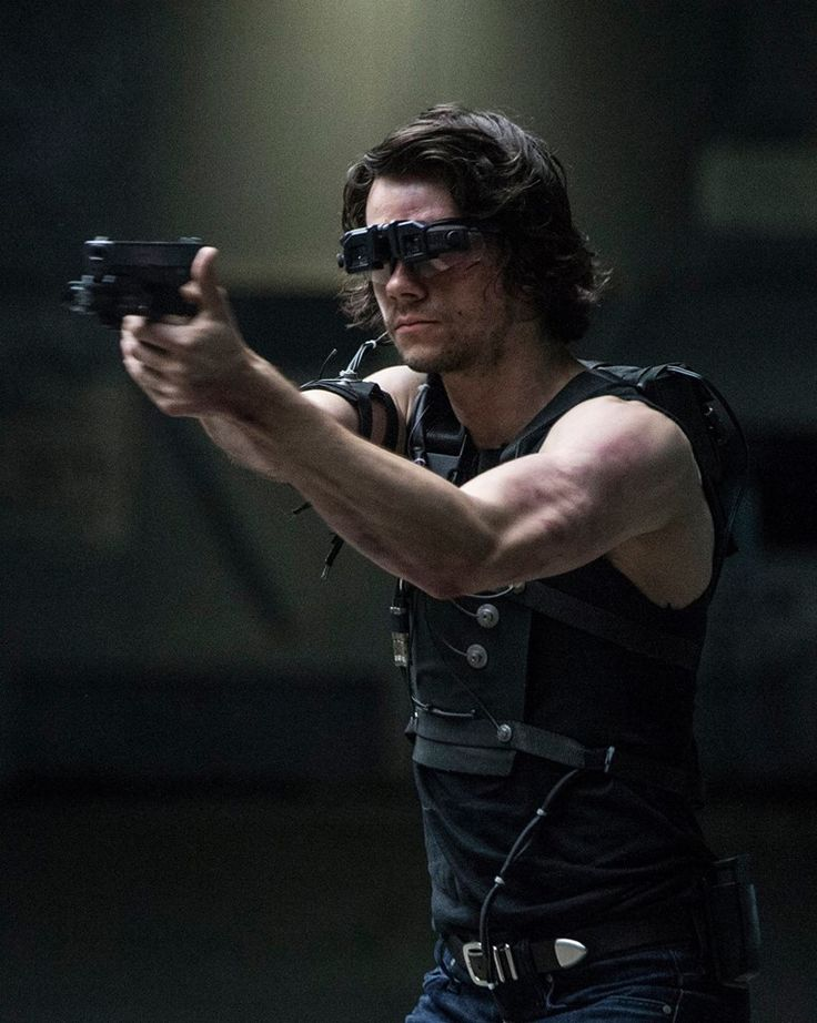 Dylan O´Brien - new Mitch Rapp photo :))) - American Assassin - @VinceFlynnFilm: New Photo: @dylanobrien as Mitch Rapp in training #americanassassin