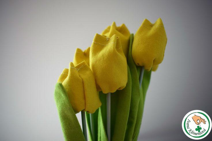 Tulipány+2017+Tulipány+jsou+nejvznešenější+ozdobou+jarních+záhonů+i+kytic.+Textilní+dekorace+je+ušitá+za+100+%+bavlněných+látek.+Tulipán,+který+nikde+nezvadne.+35Kč/ks