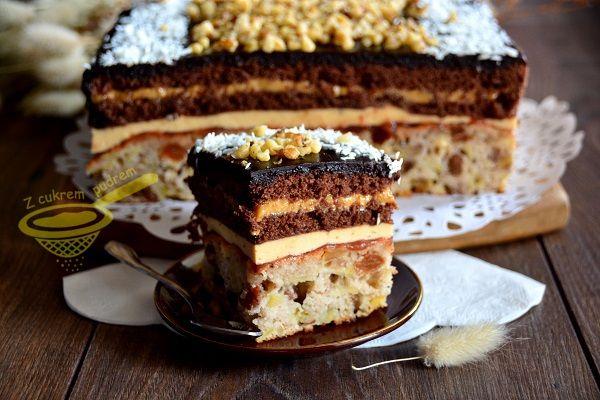 Karmel, orzechy i smaki czekoladowe to główne nuty przewodnie tego ciasta. Nie jest za słodkie, dodałam kwaskowaty dżem i poncz mocno cytryn...