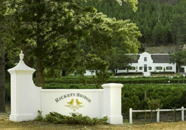 FRANSCHOEK - RICKETY BRIDGE WINE ESTATE 3 NIGHTS: Rickety Bridge Wine Estate offers 4-star accommodation on a Franschhoek wine estate, less than 3 kilometres from the centre of the quaint Franschhoek town. Nestled against the slopes of the Franschhoek Mountains overlooking the majestic Wemmershoek Mountain range, the 50 hectare wine estate has 15 hectares of vines and a beautiful tasting room where guests can sample the superb Rickety Bridge Winery wines.