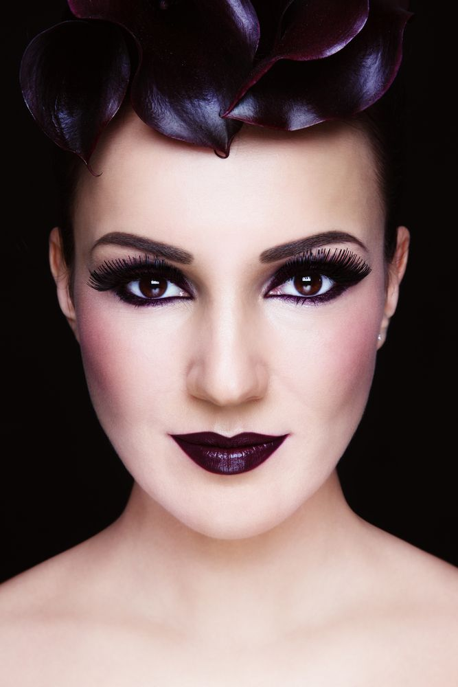 Calle-black for lips and eyes, the dark purple shade will give a special glow!