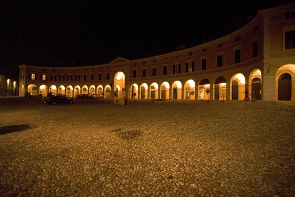 Franciacorta region: Piazza Cavour, Rovato #BerlucchiMood