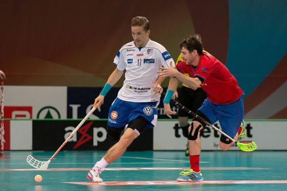 Playing floorball with realstick