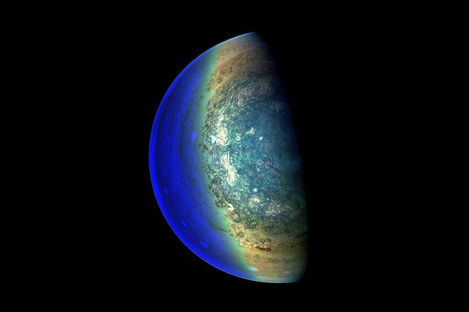 Colorful Clouds Churn on Jupiter in Stunning NASA Juno Image