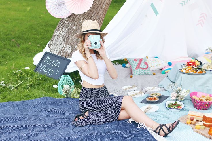 How to throw the perfect Picnic Party   Zoella
