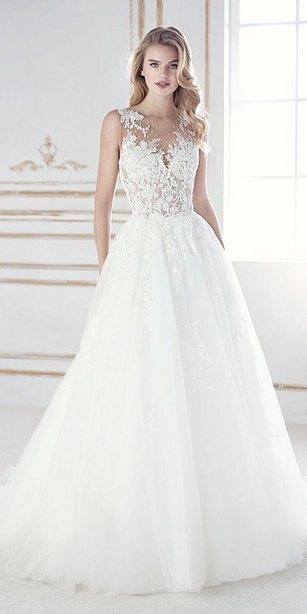 A Line Lace Wedding Gown With Cap Sleeves And Sweetheart Neckline