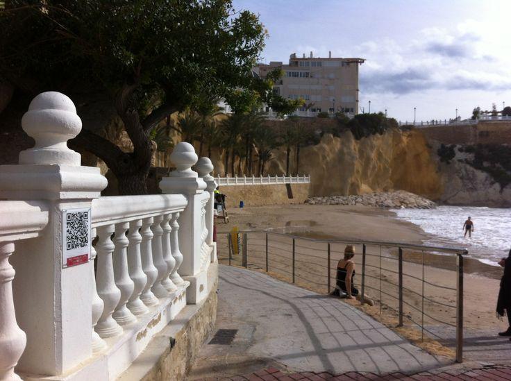 Muralla i port, platja del Mal Pas