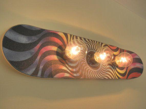 Luminária feita com suspensão de skate