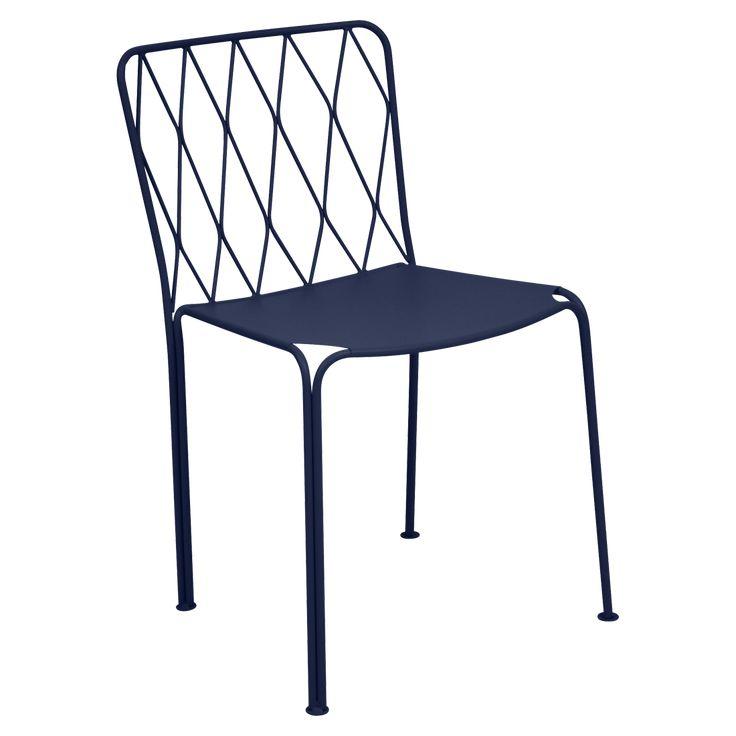 Chaise Fermob, collection Kintbury. Chaise empilable en acier. Très résistante à l'eau et aux U.V., la chaise peut être retirée en magasin ou livrée à domicile. Garantie 3 ans.