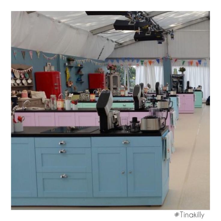 The magnificent #GIBO tent.....ready for some culinary delights. Bring it on!  #Tinakilly #GreatIrishBakeOff #TinakillyHouse #Cooking