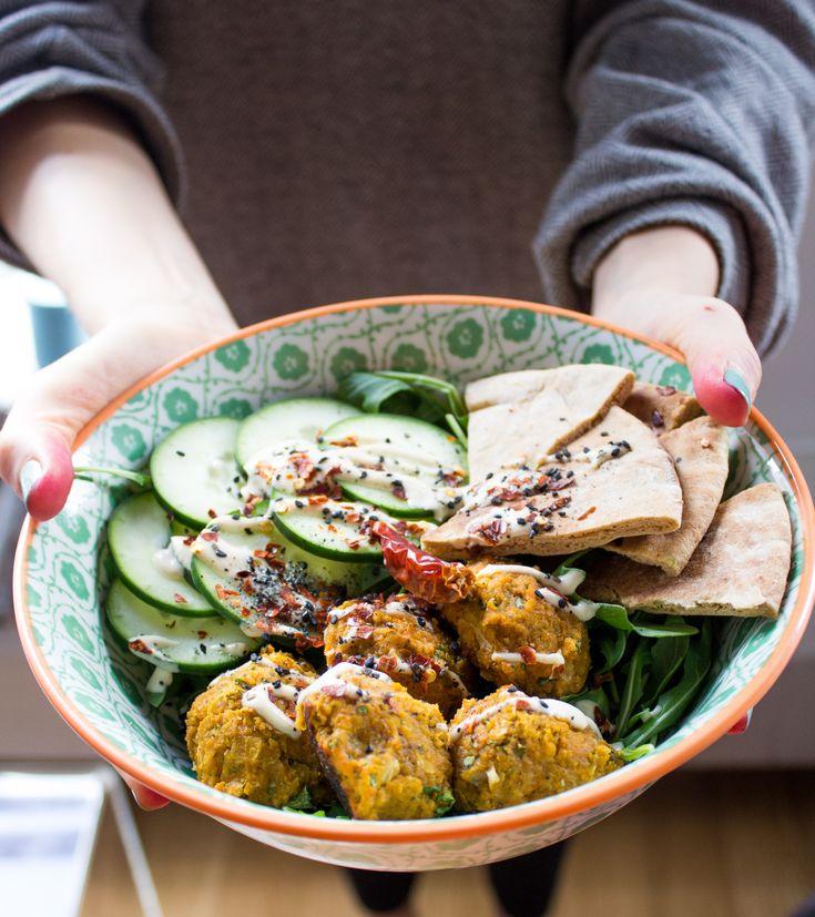 A Healthy Vegan Falafel Bowl