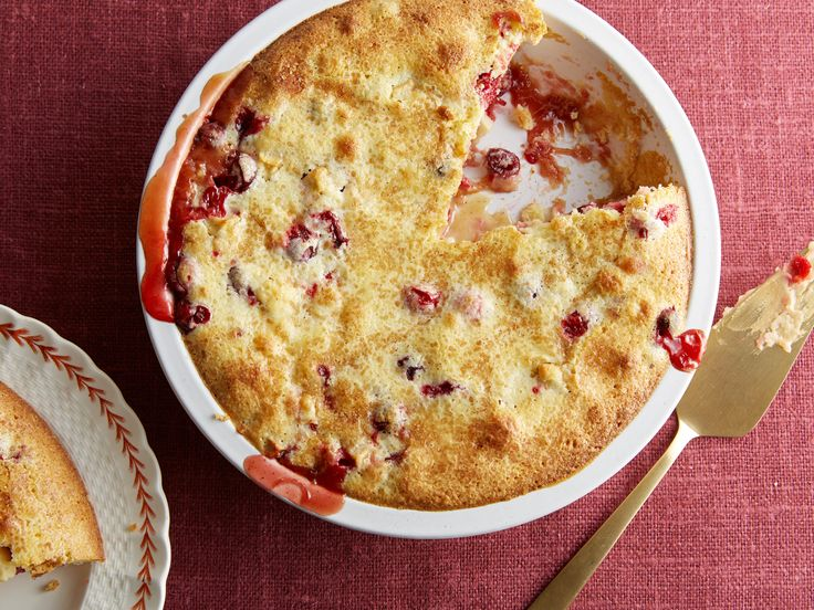 Ina Garten's Easy Cranberry and Apple Cake  #Thanksgiving #ThanksgivingFeast #Dessert