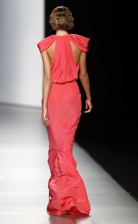 : Fashion, Coral Gowns, Long Pink Dresses, Oliva Spring, Spring 2012, Cut Outs, Coral Dresses, Juanjo Oliva, Back Details