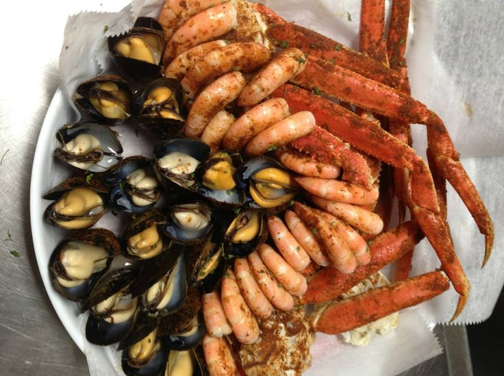 Walts fish market and restaurant sarasota florida for Fish market sarasota