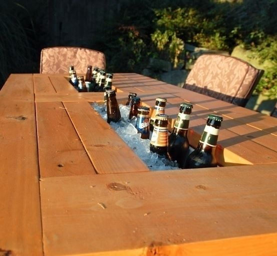 Añadir un enfriador de cerveza a su mesa de patio