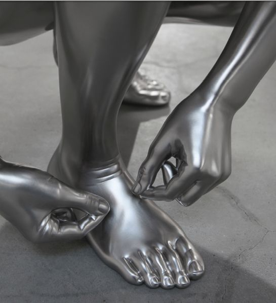 CHARLES RAY, Shoe Tie, 2012. Solid stainless steel. 73 x 74 x 60 cm. All courtesy the artist and Matthew Marks, New York.
