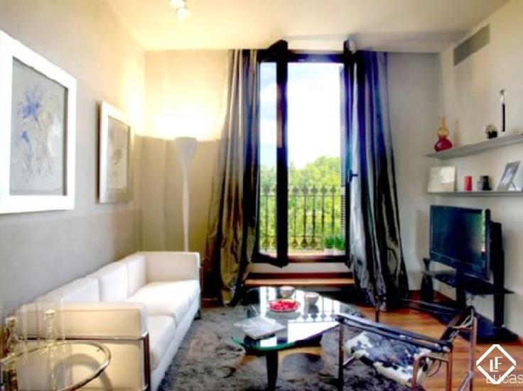 Appartement fabuleux à Ciutat Vella, Barcelone| Situé juste en face du Parc de la Ciutadella| A vendre complètement meublé.