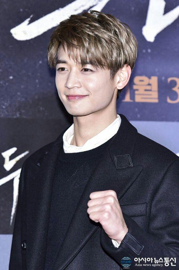 """#Minho en el estreno de su película """"Two Men"""" hoy organizará el show vip estreno a las 7 (hora de Corea) en el cine yongsan cgv en Seúl 2016-11-22"""