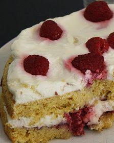 Gry´s lavkarbo: Lavkarbo kake med krem og bringebær