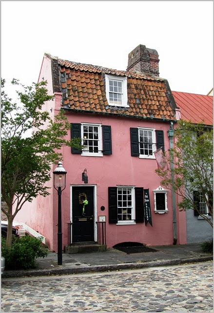 Pink Cottage - OH!  I'd love to live in this cottage!!!!!!!!!!!!