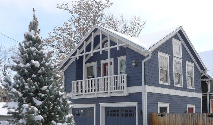 Lux Victorian Carriage House - 1 Block to... - VRBO