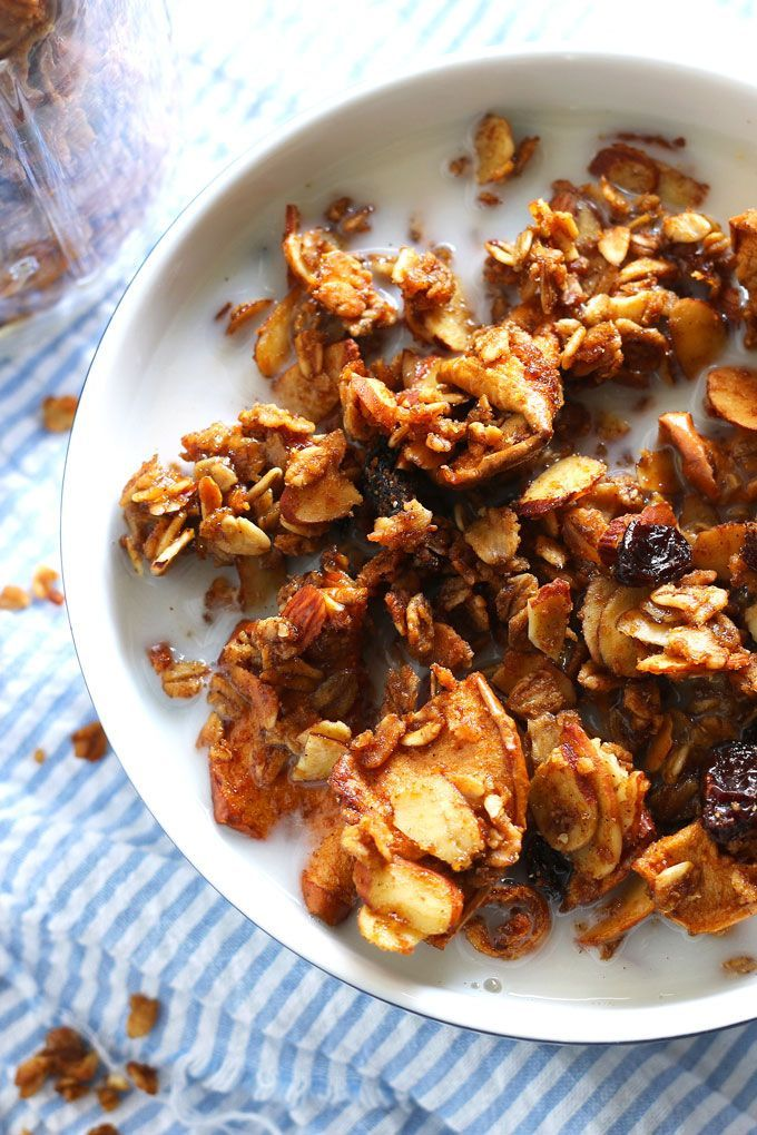Apple cinnamon raisin granola is the perfect snack or breakfast! It's easy to make and the perfect way to experience the O Organics product line.