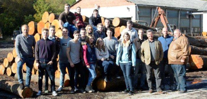 BRANCHENNEWS: TEAM 7 stellt 15 neue Lehrlinge in 2017 ein! http://www.wohnendaily.at/2017/05/team-7-stellt-15-neue-lehrlinge-in-2017-ein/?utm_content=bufferaa247&utm_medium=social&utm_source=pinterest.com&utm_campaign=buffer