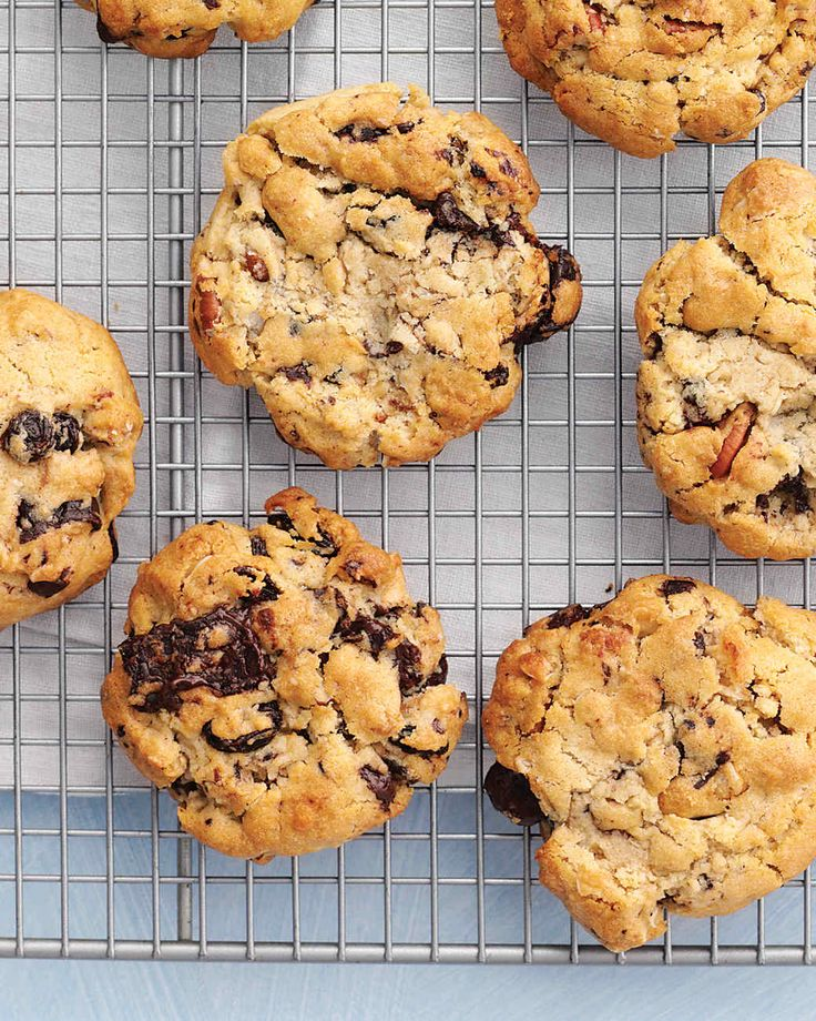 These home-run treats cover all the bases: They're chewy and rich, sweet and nutty.