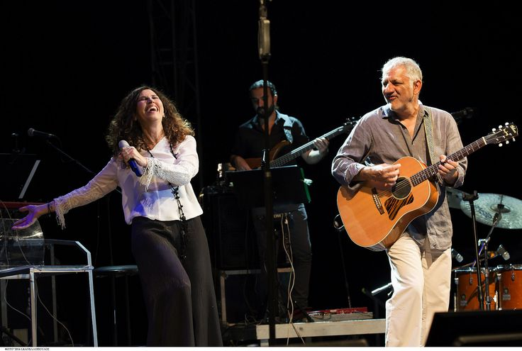 https://flic.kr/p/KgjduW | Οι εξαιρετικοί Ελευθερία Αρβανιτάκη και Νίκος Πορτοκάλογλου στο Φεστιβάλ Αμαρουσίου 2016 Like us @ Facebook: www.fb.com/festivalmaroussi Follow us @ Twitter: www.twitter.com/festivalmarousi | Οι εξαιρετικοί Ελευθερία Αρβανιτάκη και Νίκος Πορτοκάλογλου στο Φεστιβάλ Αμαρουσίου 2016 Like us @ Facebook: www.fb.com/festivalmaroussi Follow us @ Twitter: www.twitter.com/festivalmarousi