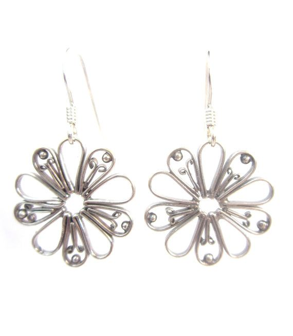 Simple yet stunning, these beautifully handcrafted bali silver flowers make for a perfect everyday pair of earrings! Handcrafted Using : ~ Sterling