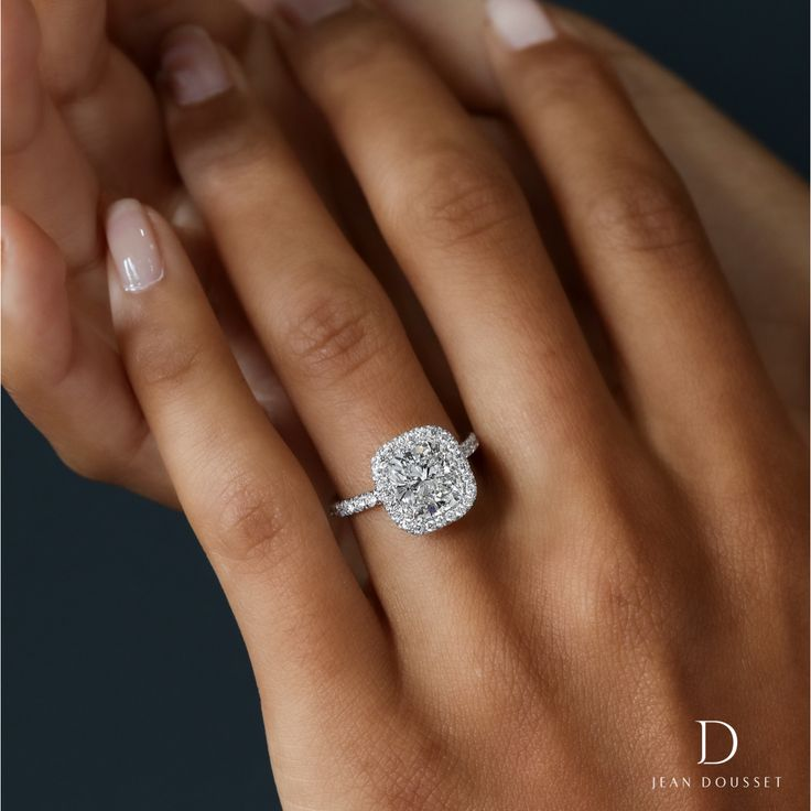Best Halo Setting Engagement Rings Ideas On Pinterest Halo