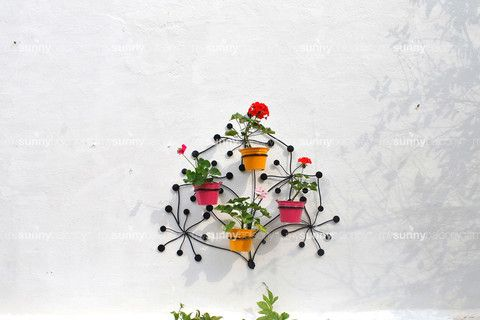 Wrought Iron wall mounted four pot holder with metal bucket pots – The mysunnybalcony e-store