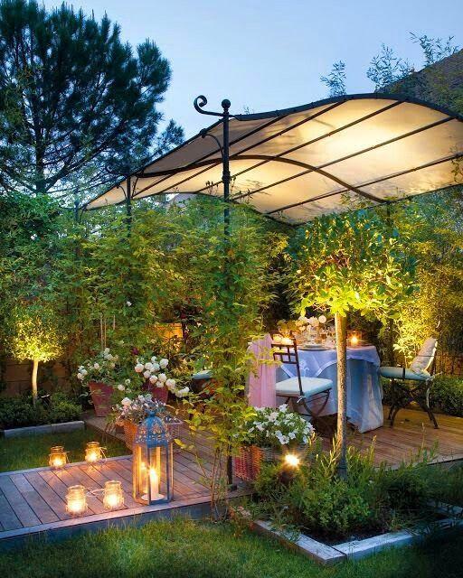 Perfect backyard decor for a couple