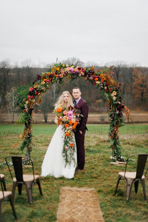 bohemian fall wedding arch / http://www.himisspuff.com/fall-wedding-arch-and-altar-ideas/