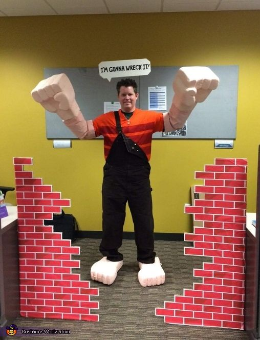 wreckit ralph halloween costume contest at